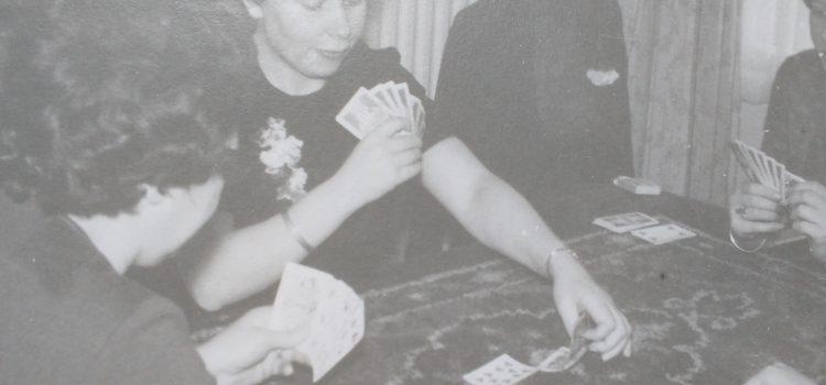 De beste moederdag is samen een spelletje spelen – en haar laten winnen